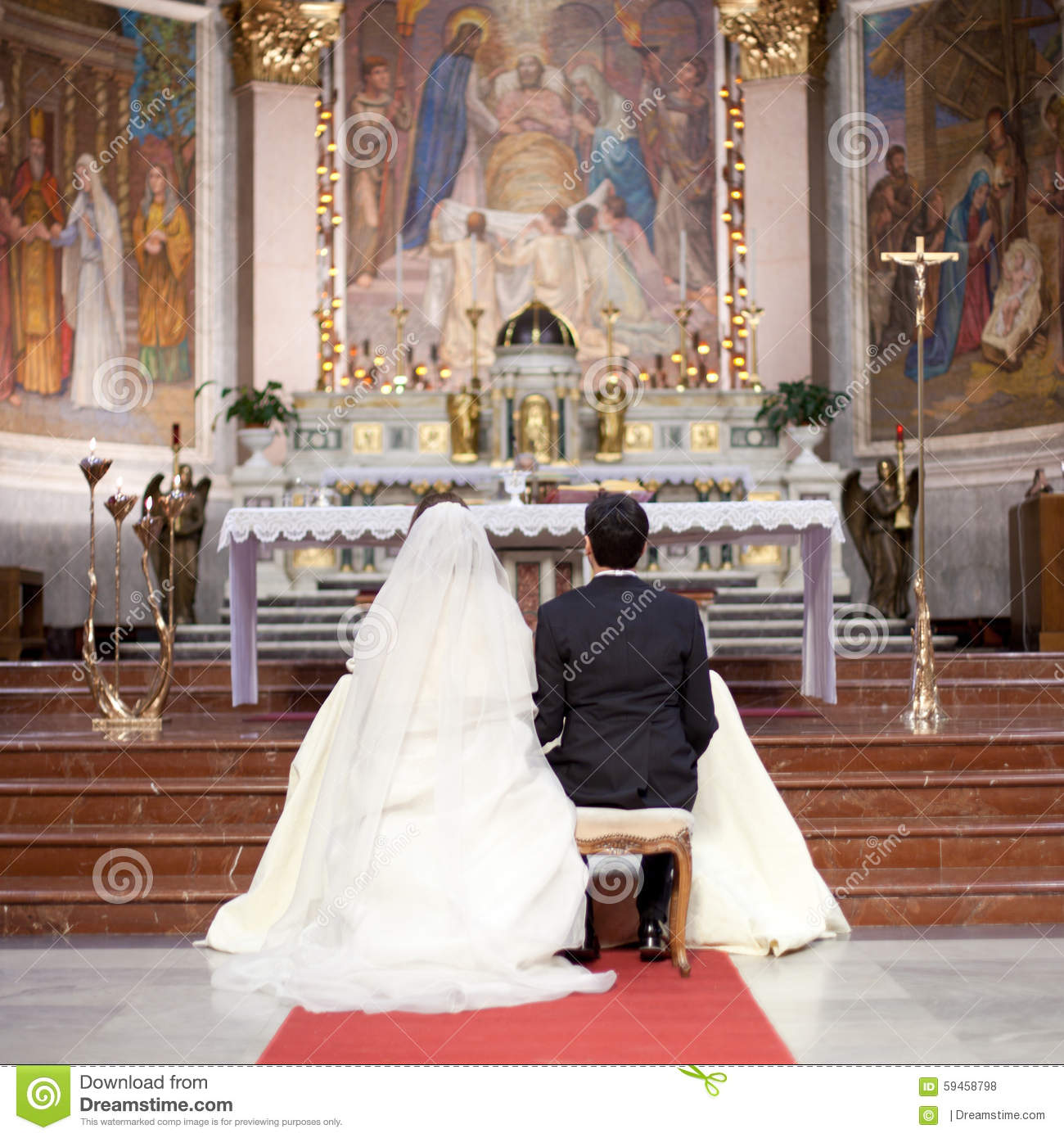 Couple In A Wedding Ceremony Editorial Stock Photo