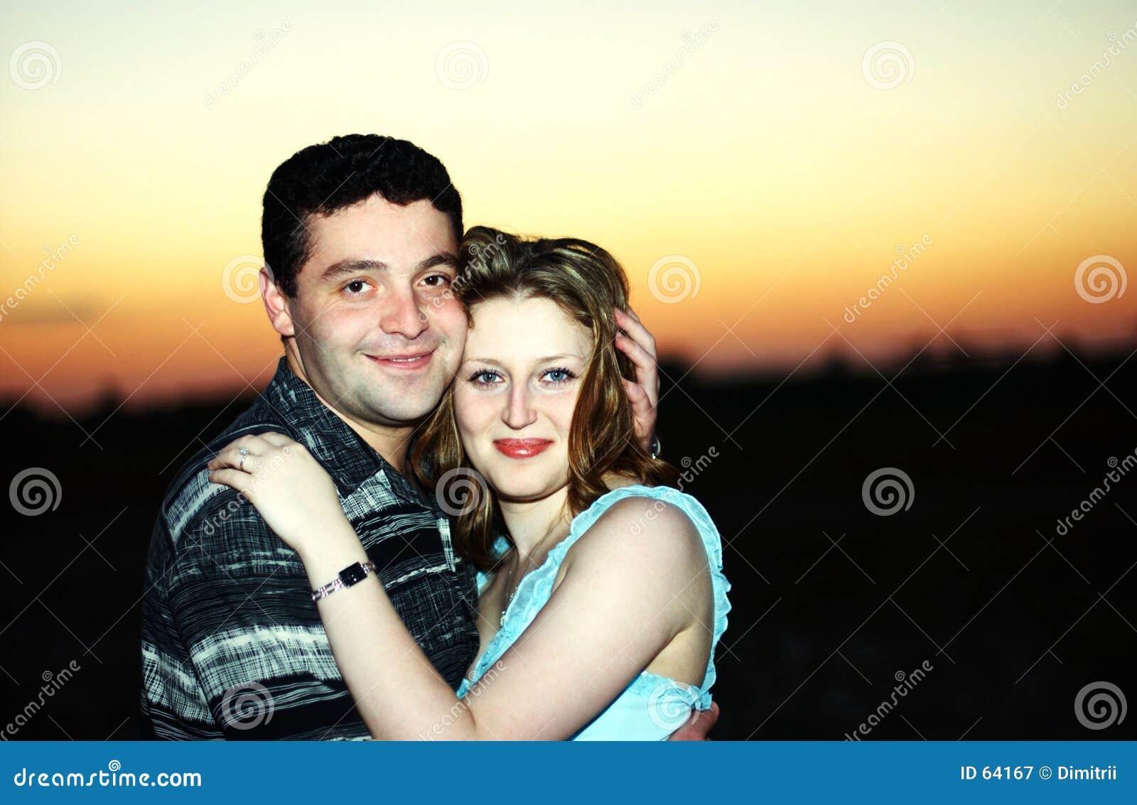 Download Couples dans l'amour image stock. Image du ensemble, attrait - 64167