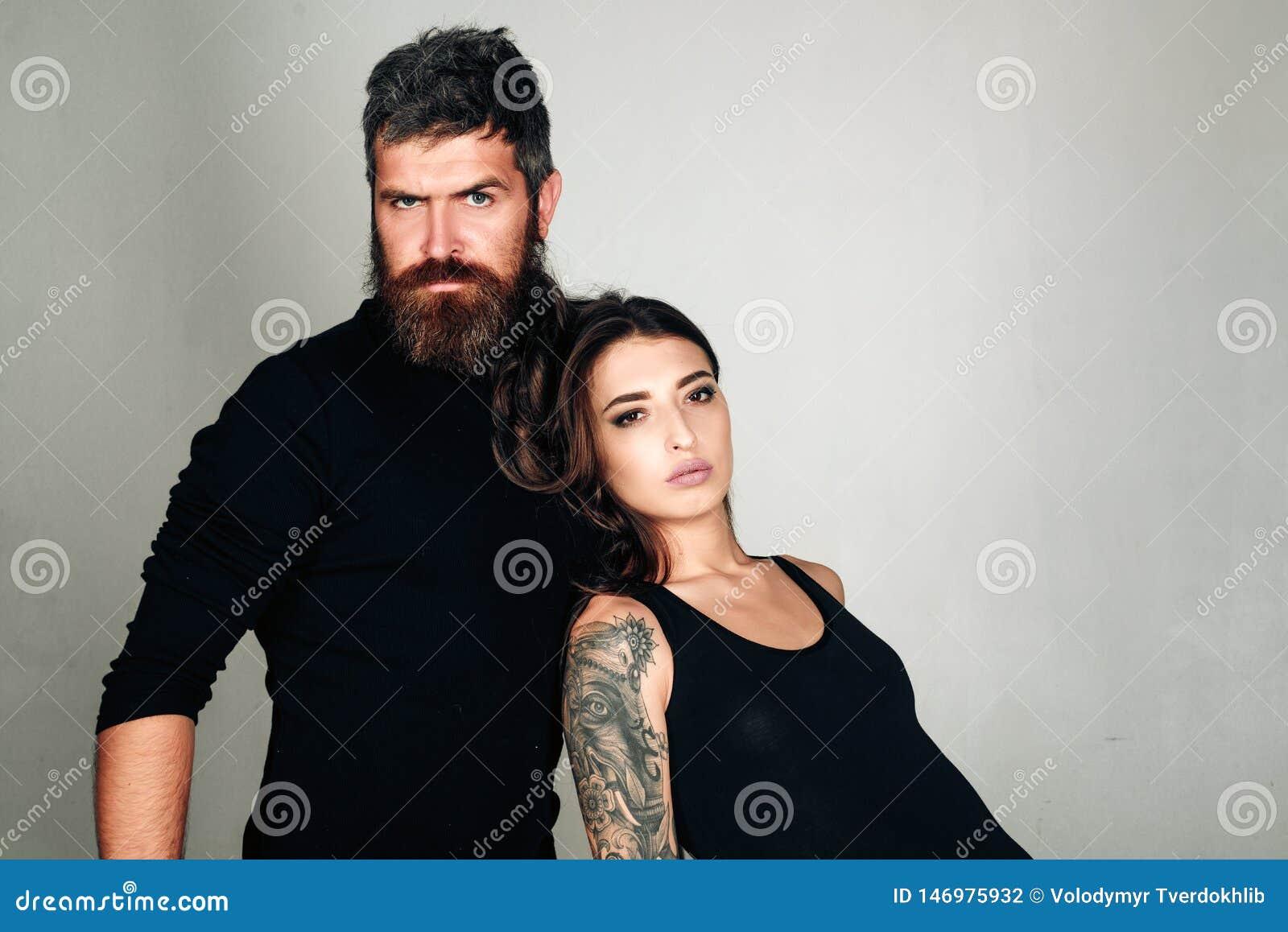 Couples de mode Couples dans l amour E Coiffeur et raseur-coiffeur Salon de tatouage m?le