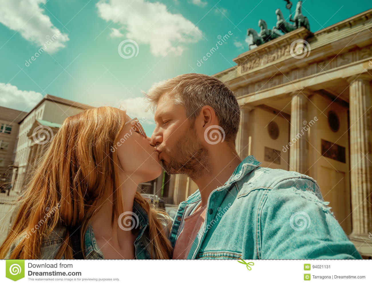 Couples de touristes à Berlin