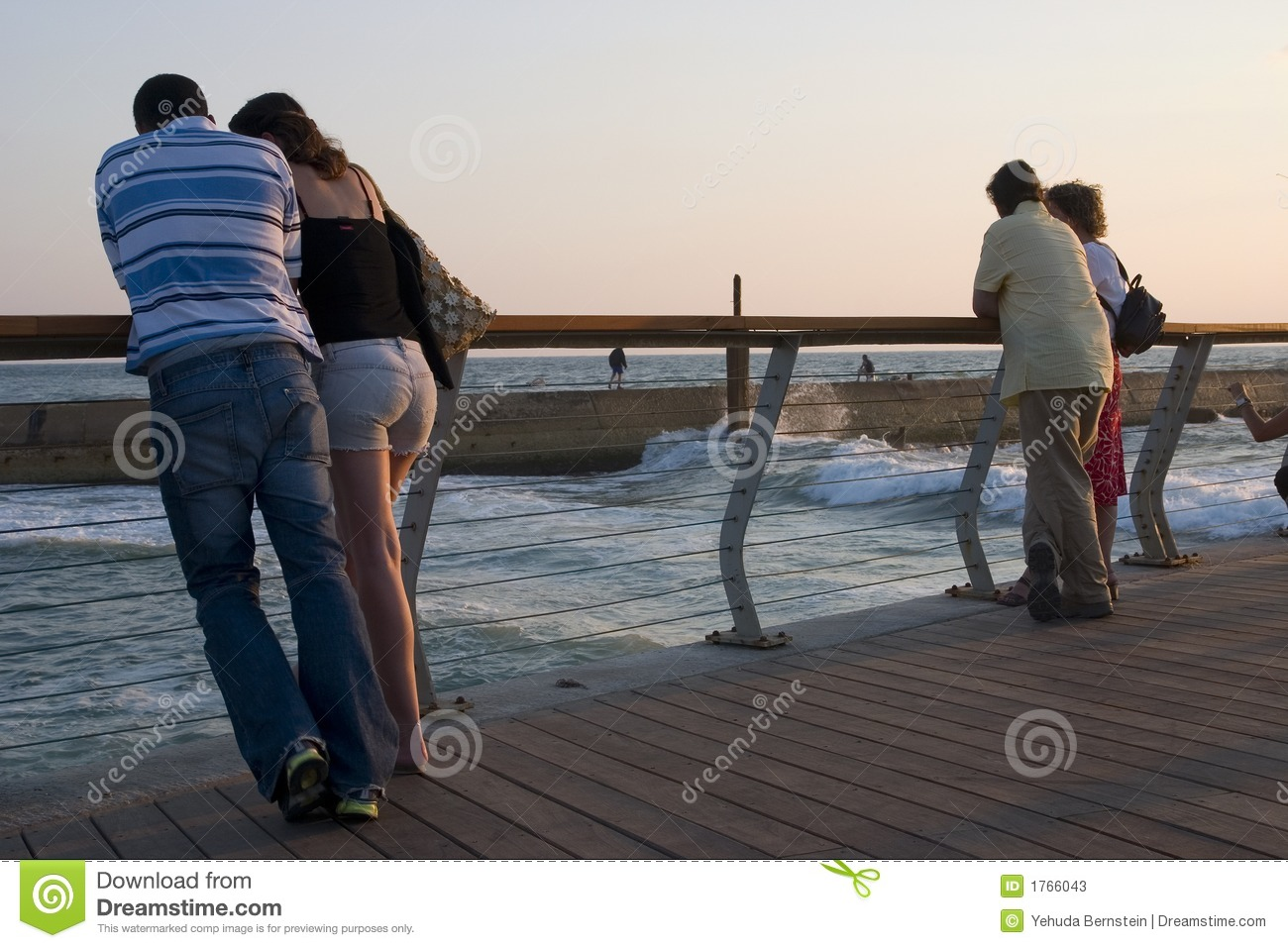 Couples in the harbor