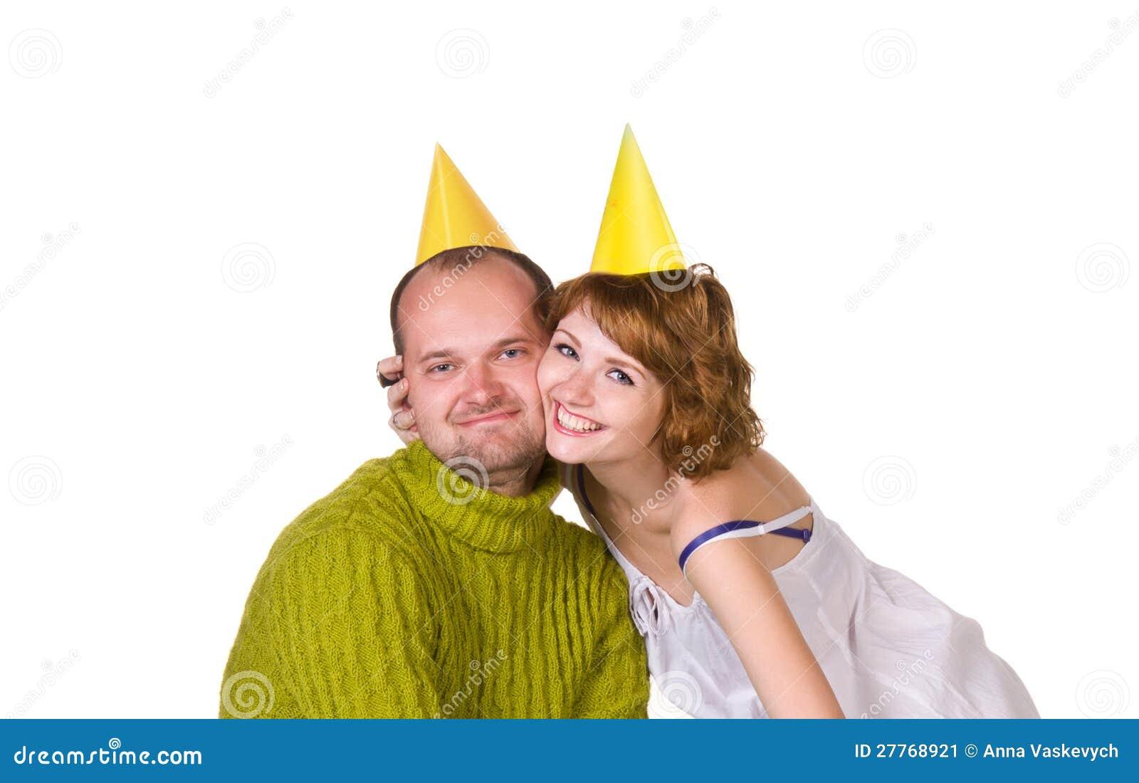 Couples heureux célébrant des vacances