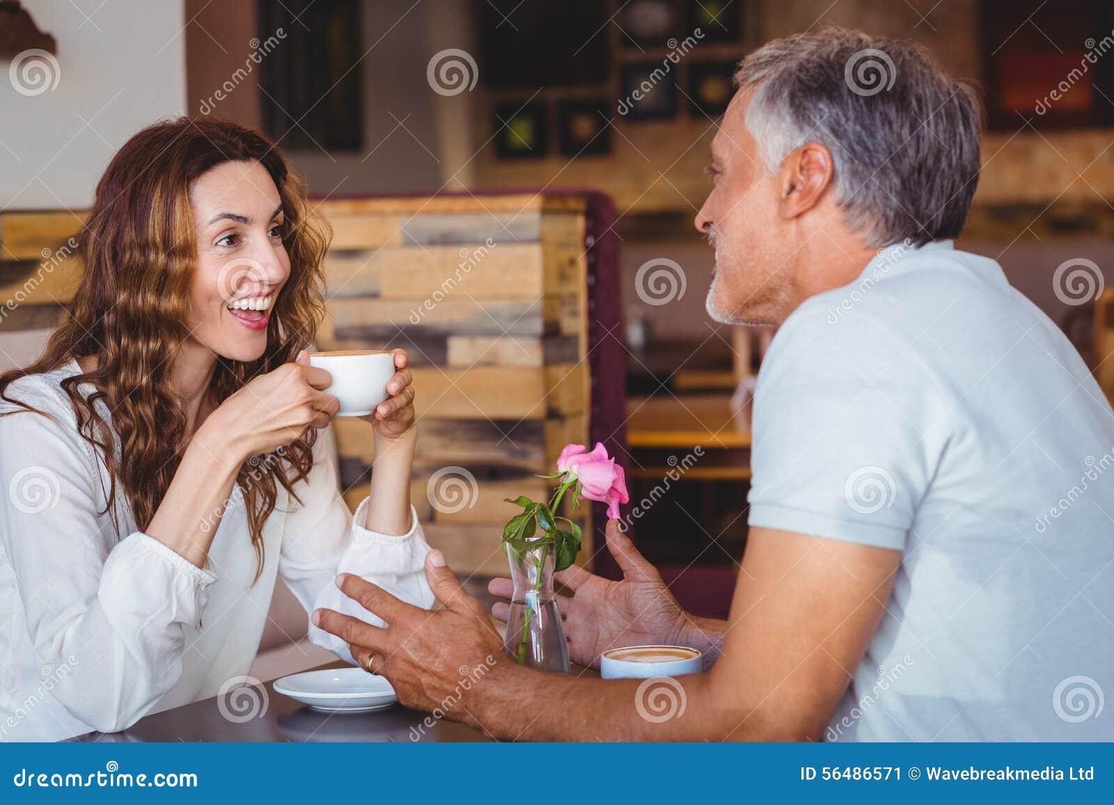 Couples mignons une date