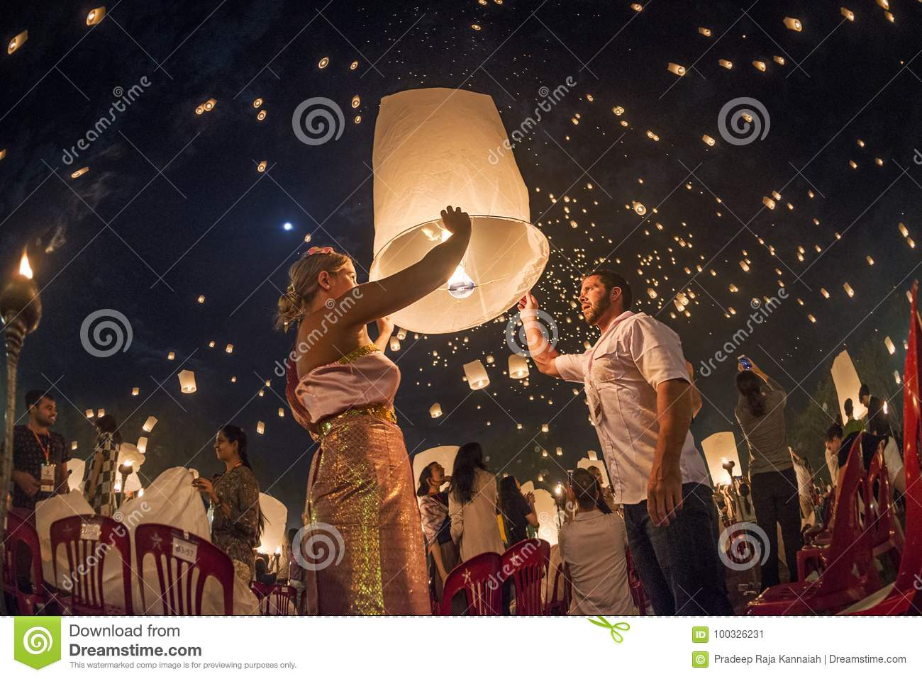 Couples Releasing Lanterns In The Sky During Yi Peng Festival Thailand Editorial Photo Image Of Culture Pray 100326231
