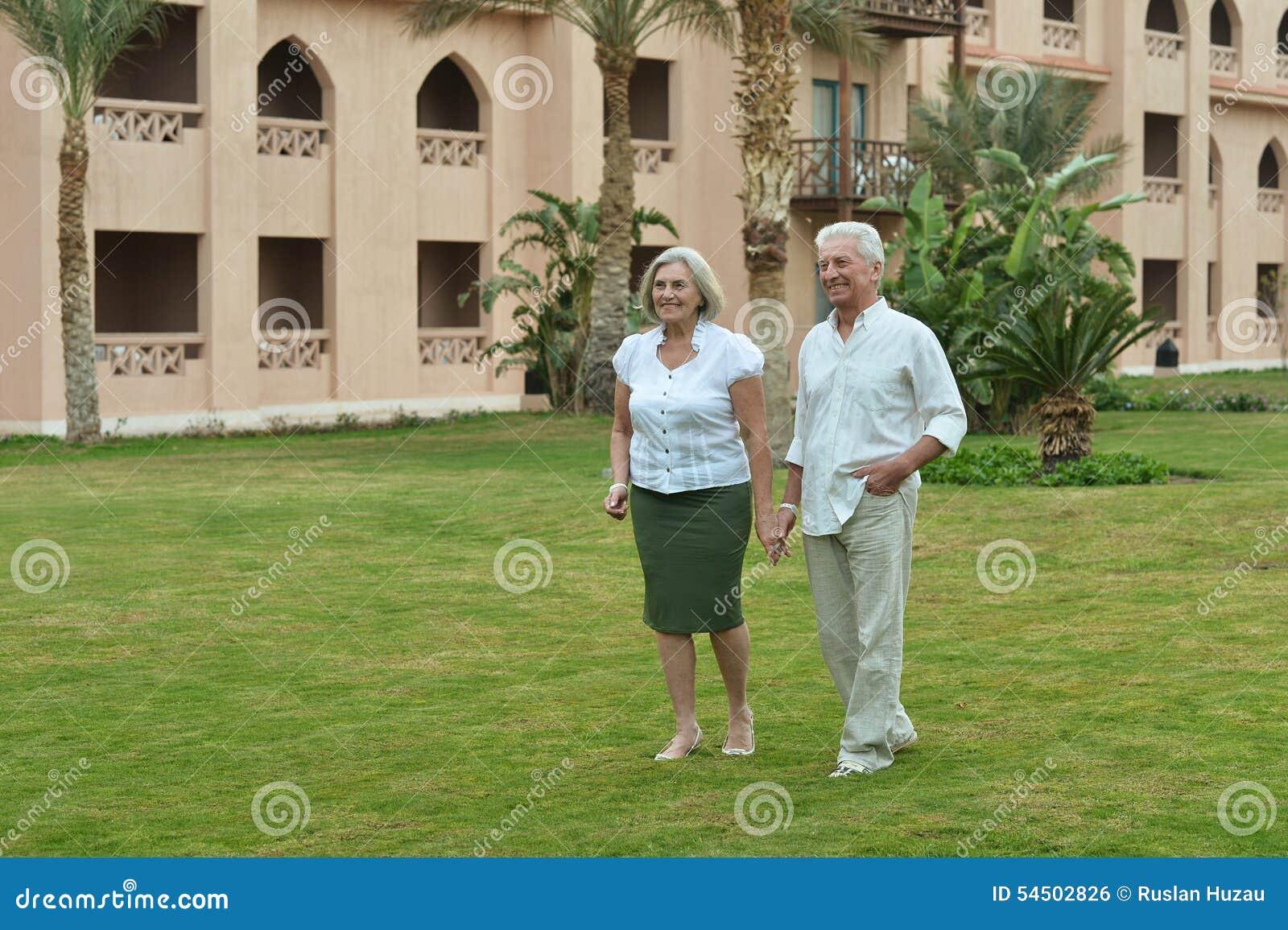Couples supérieurs au tropique