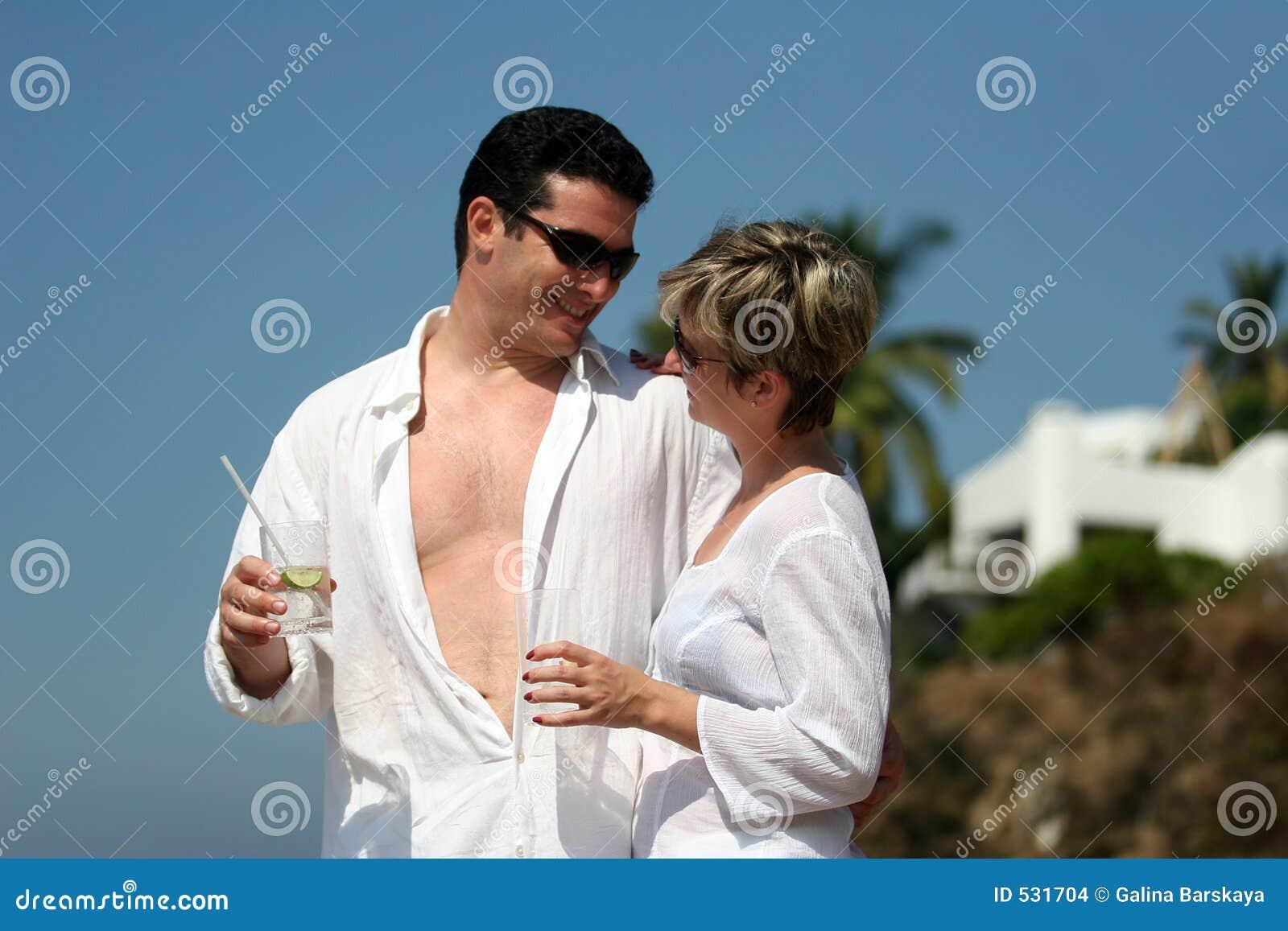 Couples sur la plage