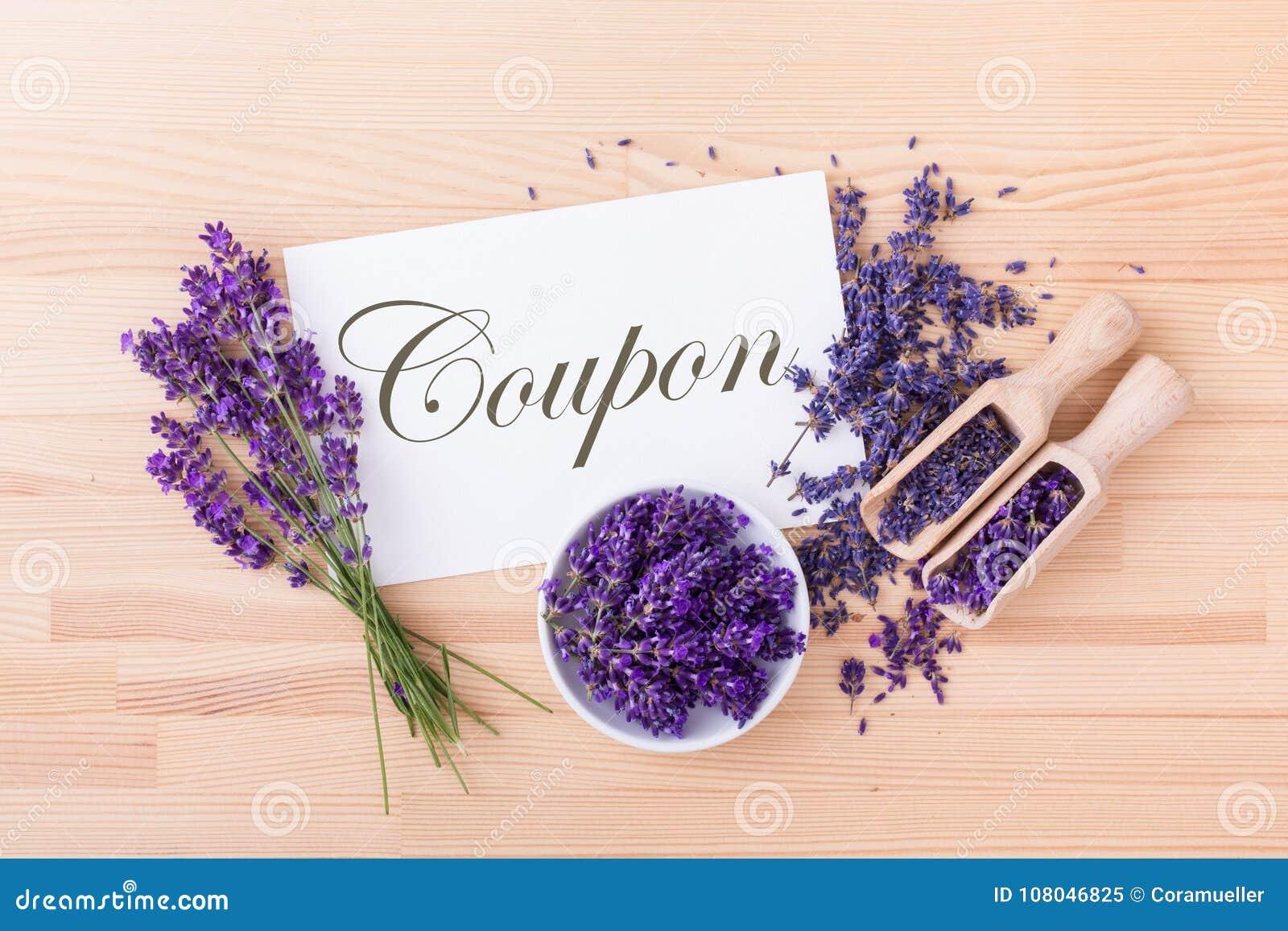 Coupon met lavendelbloemen