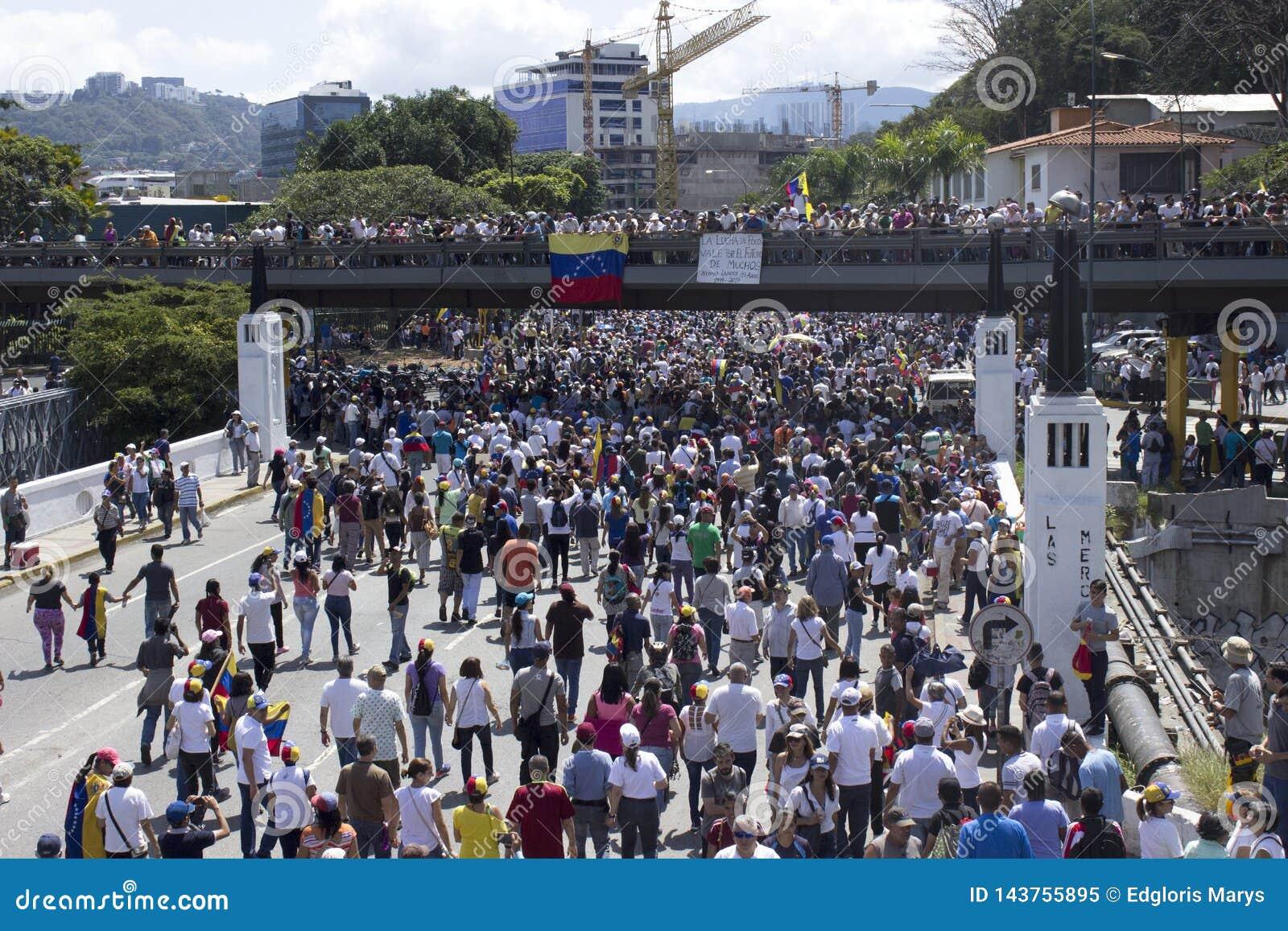 Coupures d électricité du Venezuela : Les protestations éclatent au Venezuela au-dessus de la panne d électricité