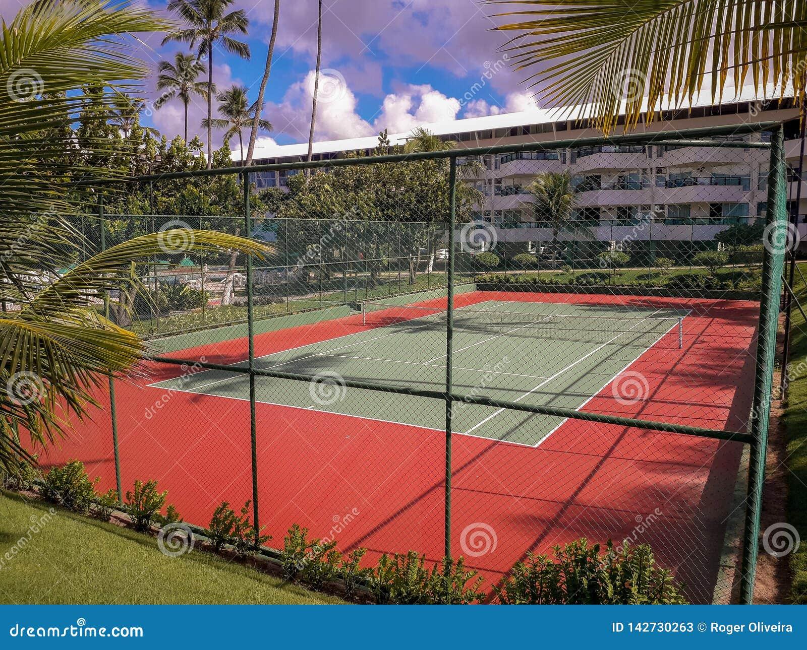 Cour de volleyball à la station de vacances plate sur Porto de Galinhas, Brésil