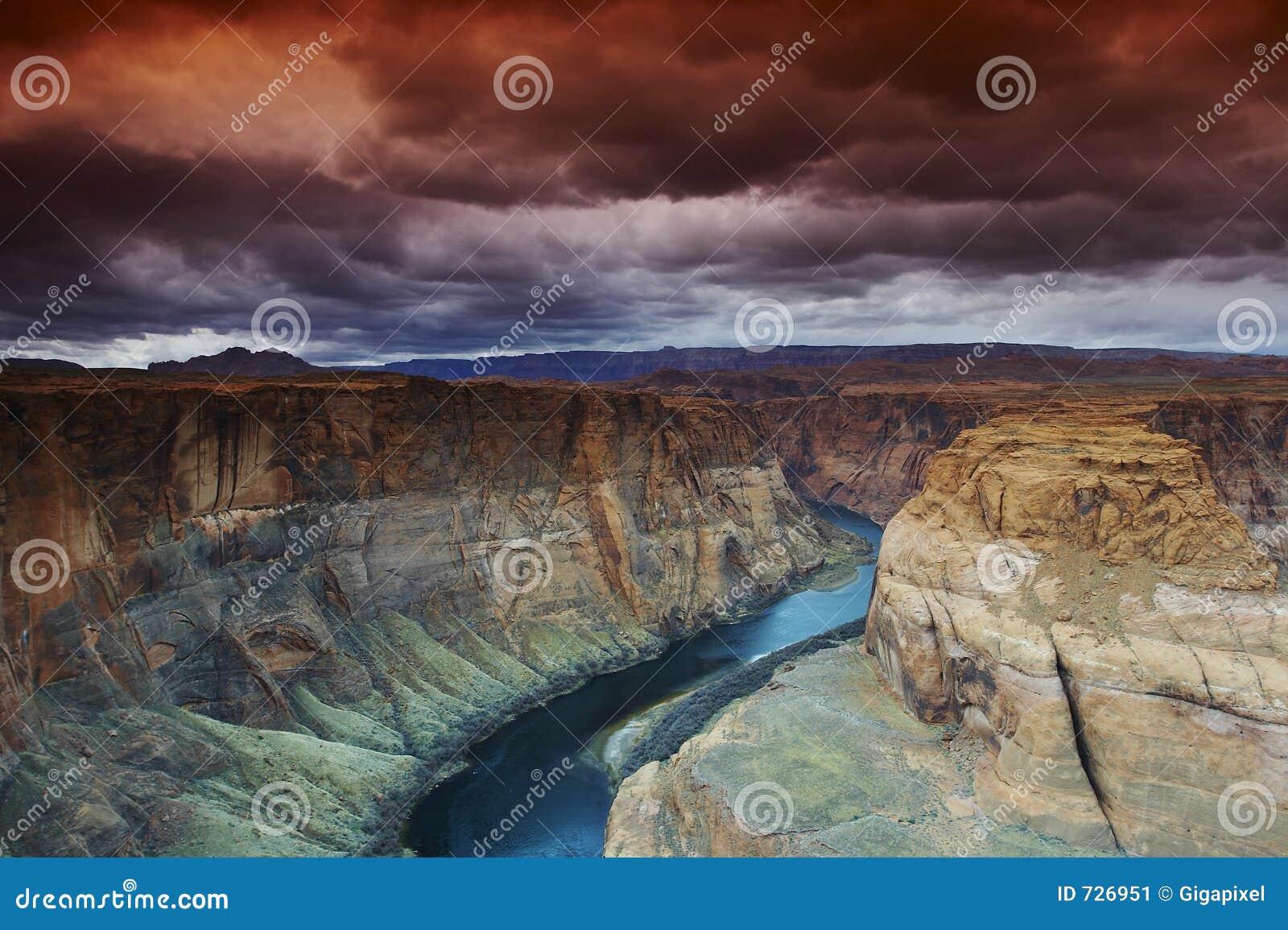 Courbure en fer à cheval sur le Fleuve Colorado