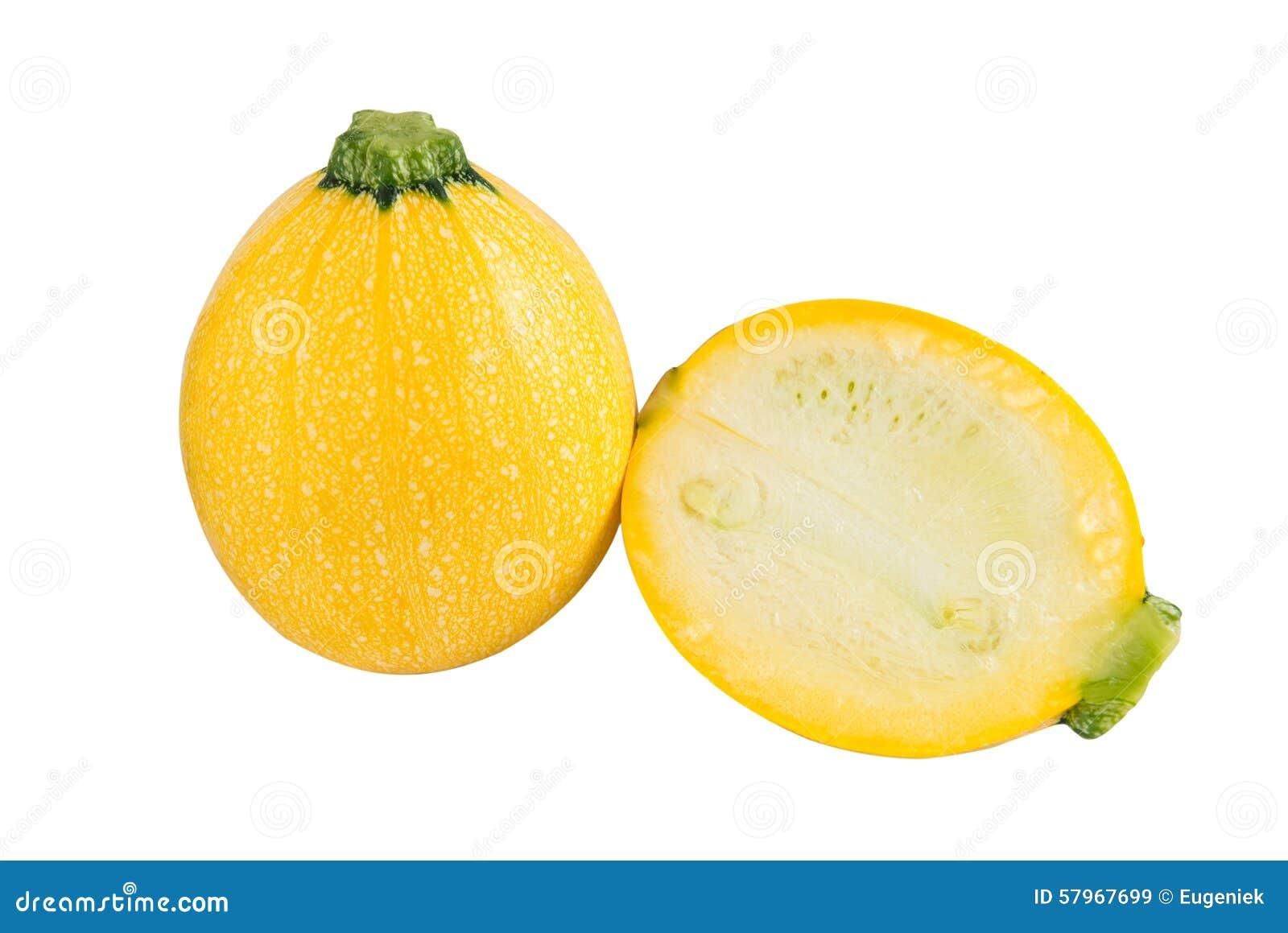 Courgette jaune ronde crue et une coupe une sur un fond blanc photo stock image 57967699 - Comment couper une courgette ...
