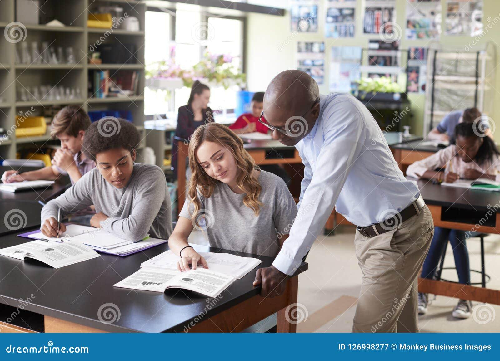 Cours de Biologie masculin de Teaching Students In de tuteur de lycée
