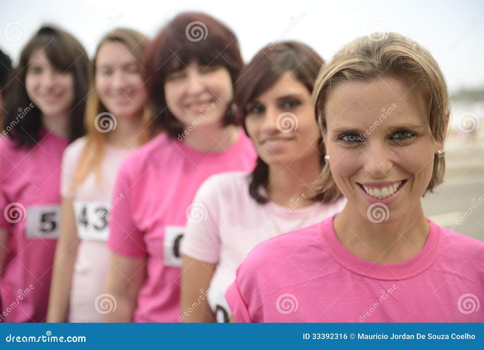course de charit de cancer du sein femmes dans le rose image libre de droits image 33392316. Black Bedroom Furniture Sets. Home Design Ideas