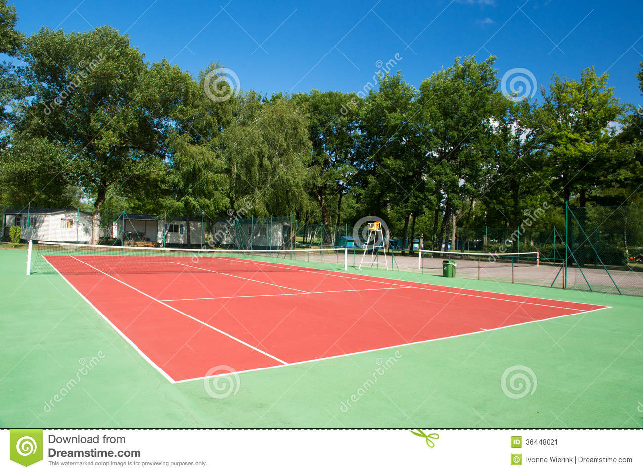 Court de tennis ext rieur image stock image 36448021 for Eclairage court de tennis exterieur