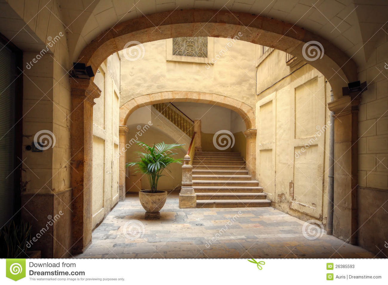 Courtyard of old spanish home stock photos image 26385593 Old world house plans courtyard