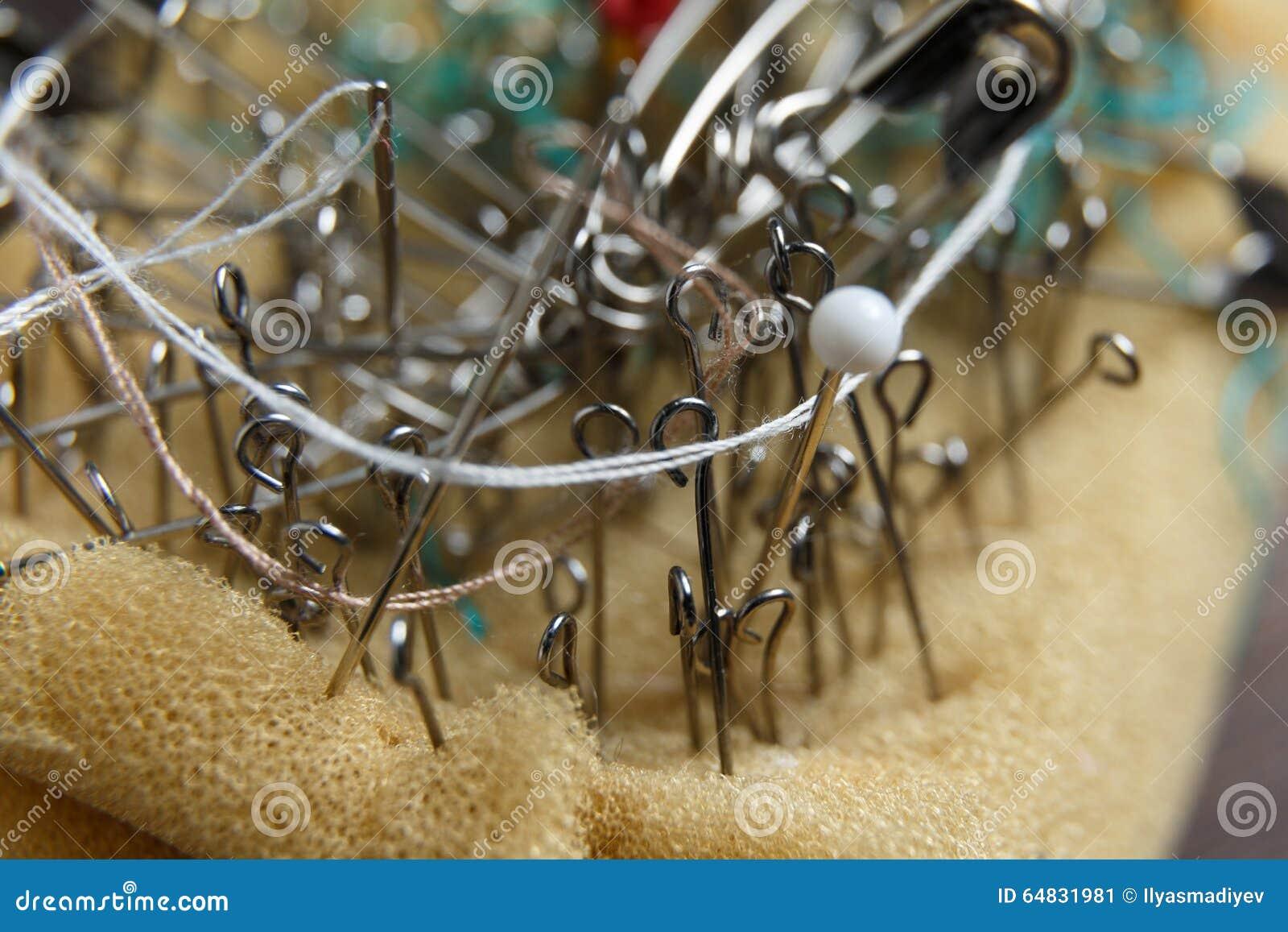 Coussin de Pin avec les goupilles de couture