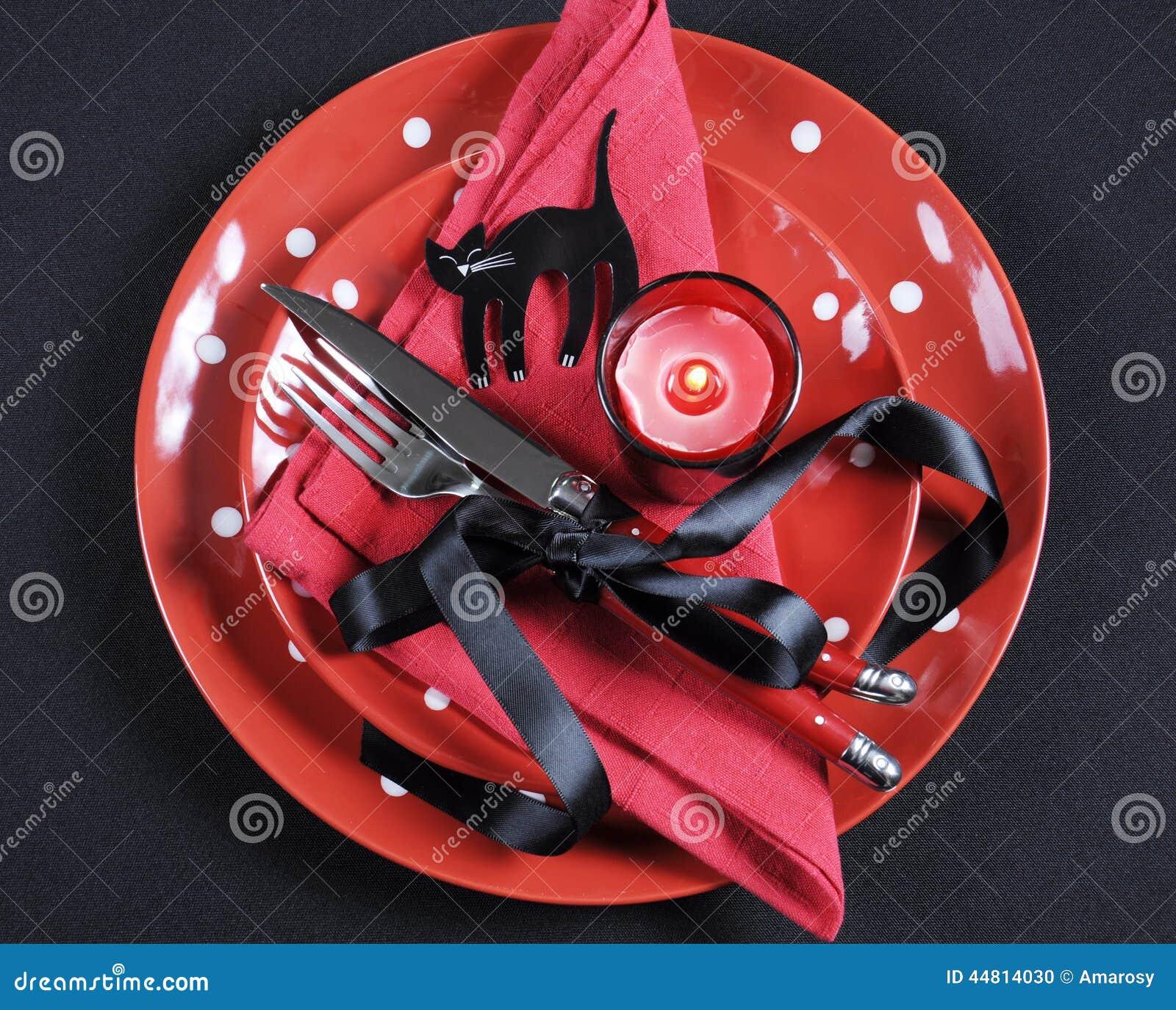 Couvert Rouge Et Noir élégant De Table De Salle à Manger De Partie ...
