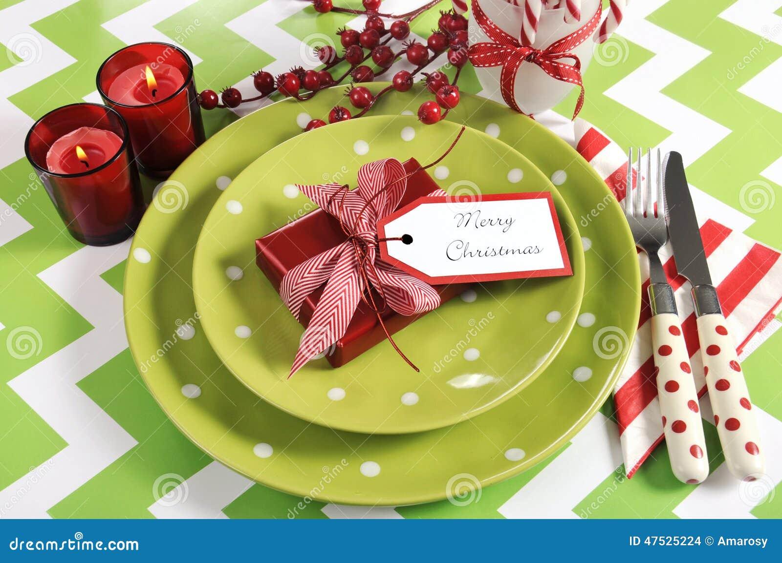 Couverts de table de partie de famille d 39 enfants de no l en le vert le rouge et le blanc de - Le rouge et le blanc ...