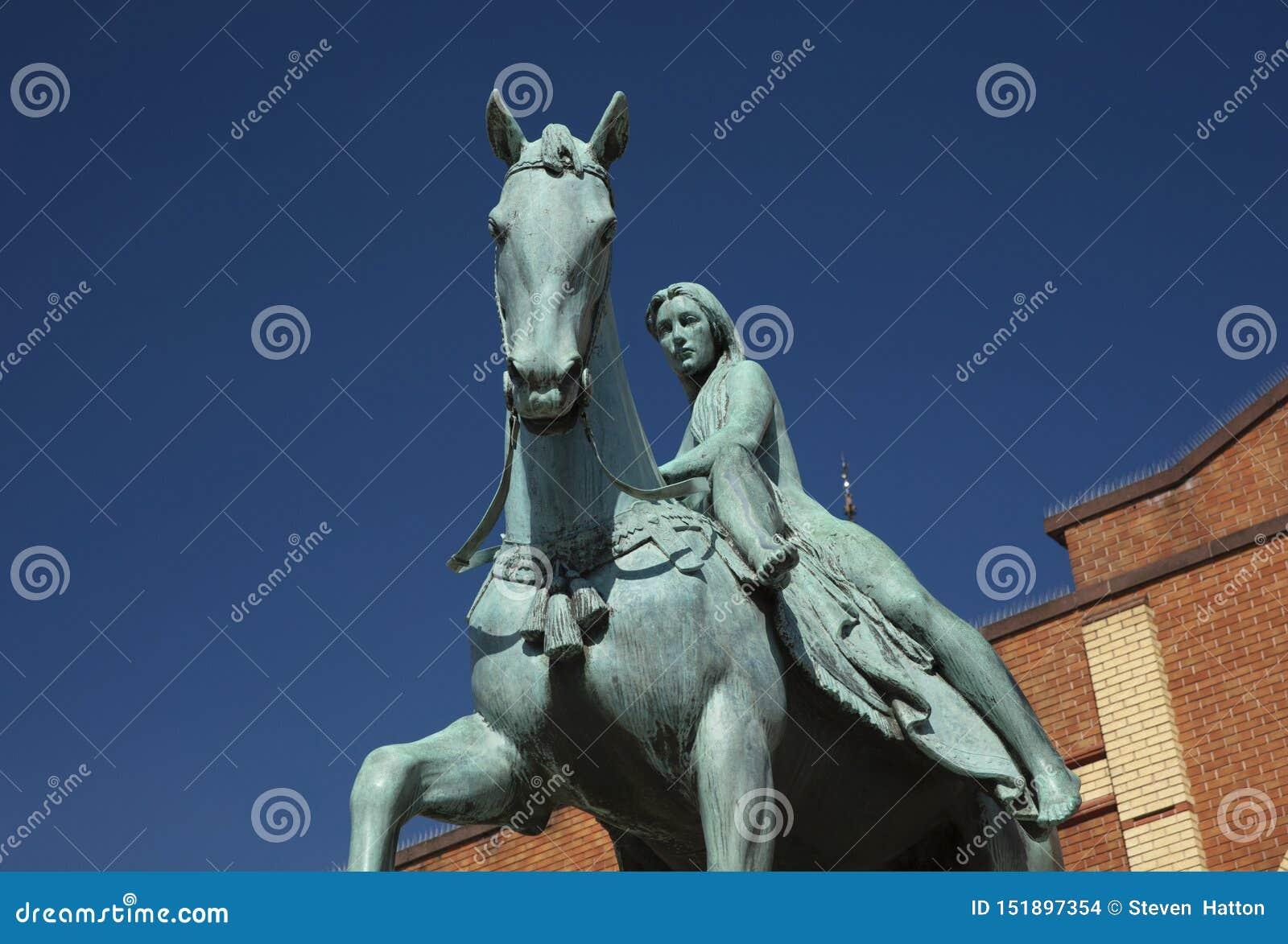 Coventry, Warwickshire, Regno Unito, il 27 giugno 2019, statua di signora Godiva
