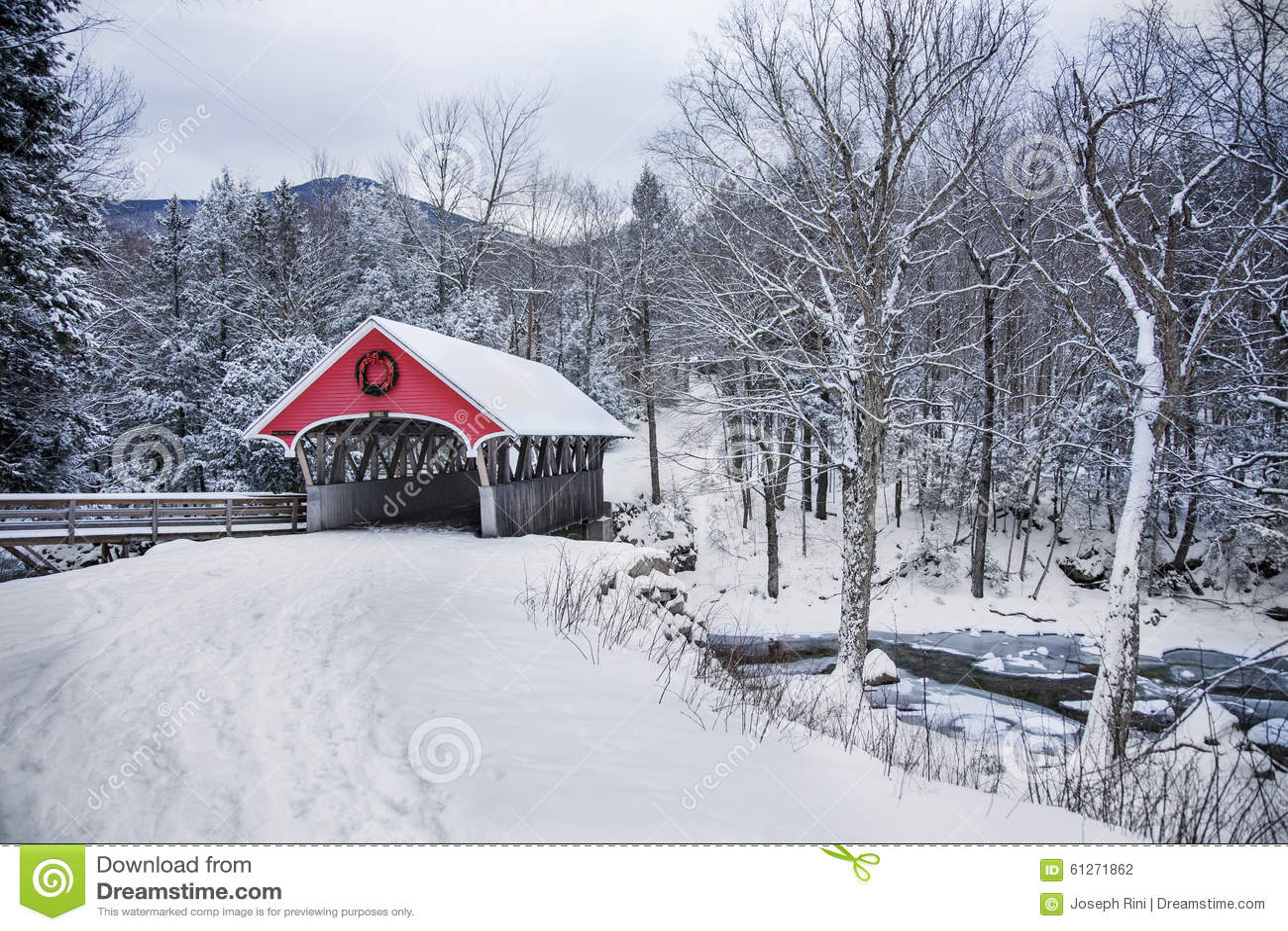 Covered Bridge Snowfall In Rural New Hampshire Stock Photo