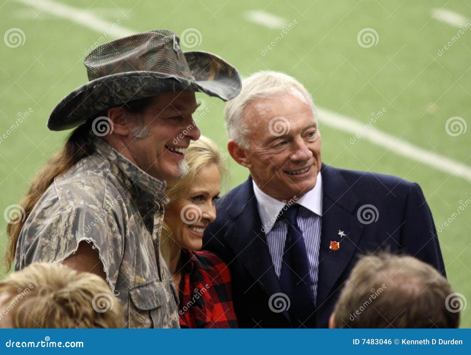 Cowboy Ted Nugent e Jerry Jones