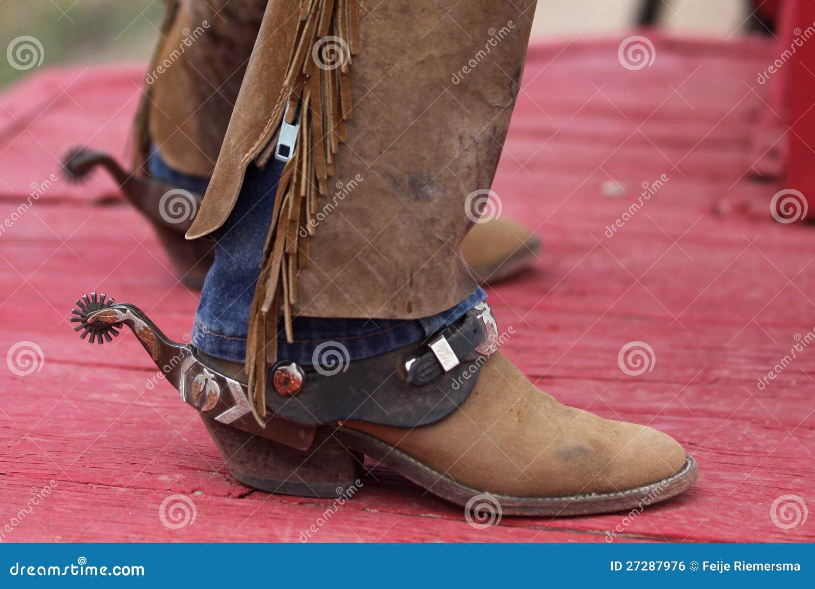 Cowboyskängor med sporrar