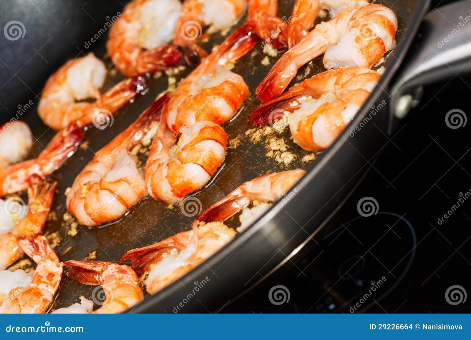 Download Cozimento Fritado Do Camarão Foto de Stock - Imagem de shrimp, cuisine: 29226664