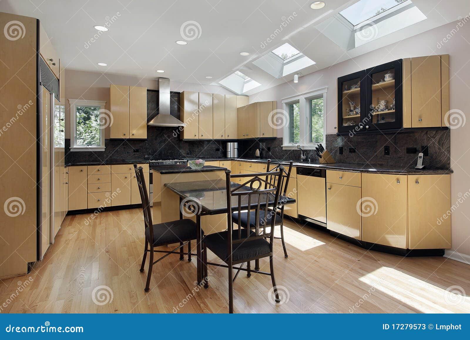Cozinha Com Clarabóias Fotos de Stock Imagem: 17279573 #82A328 1300 957