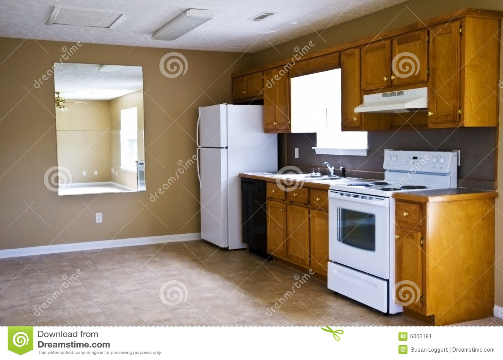 Cozinha Compacta Casa Pequena Imagem De Stock Imagem De Teto