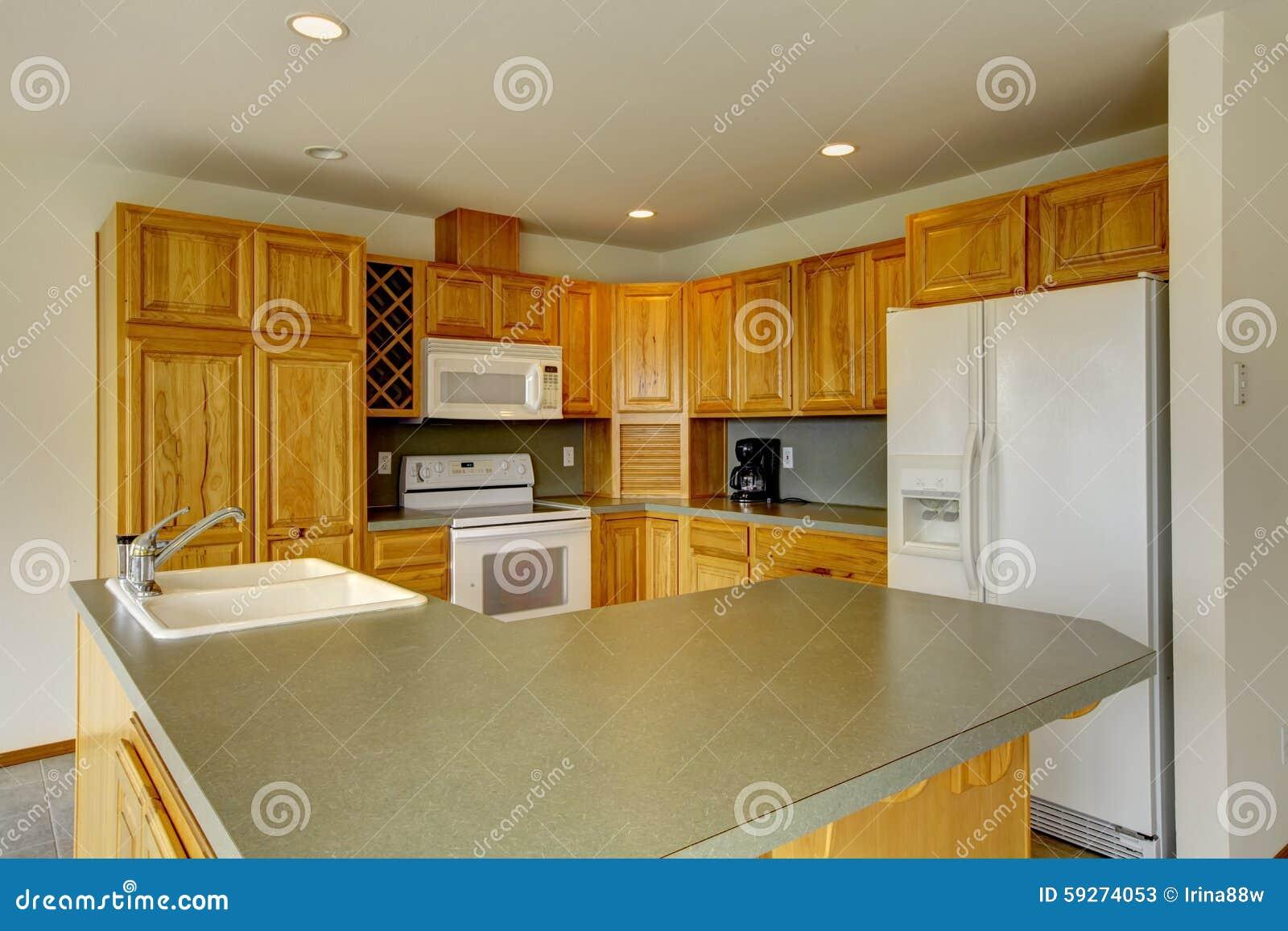 Cozinha De Canto De Madeira Americana Com Partes Superiores