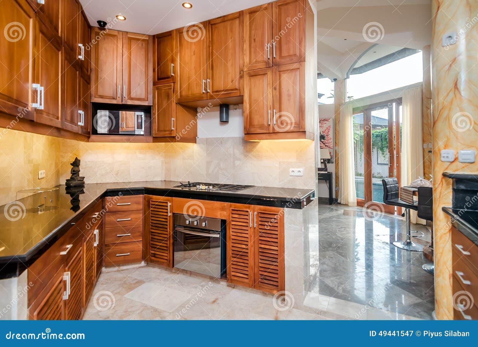 Cozinha De Madeira Moderna Com Est Tua Imagem De Stock Imagem De