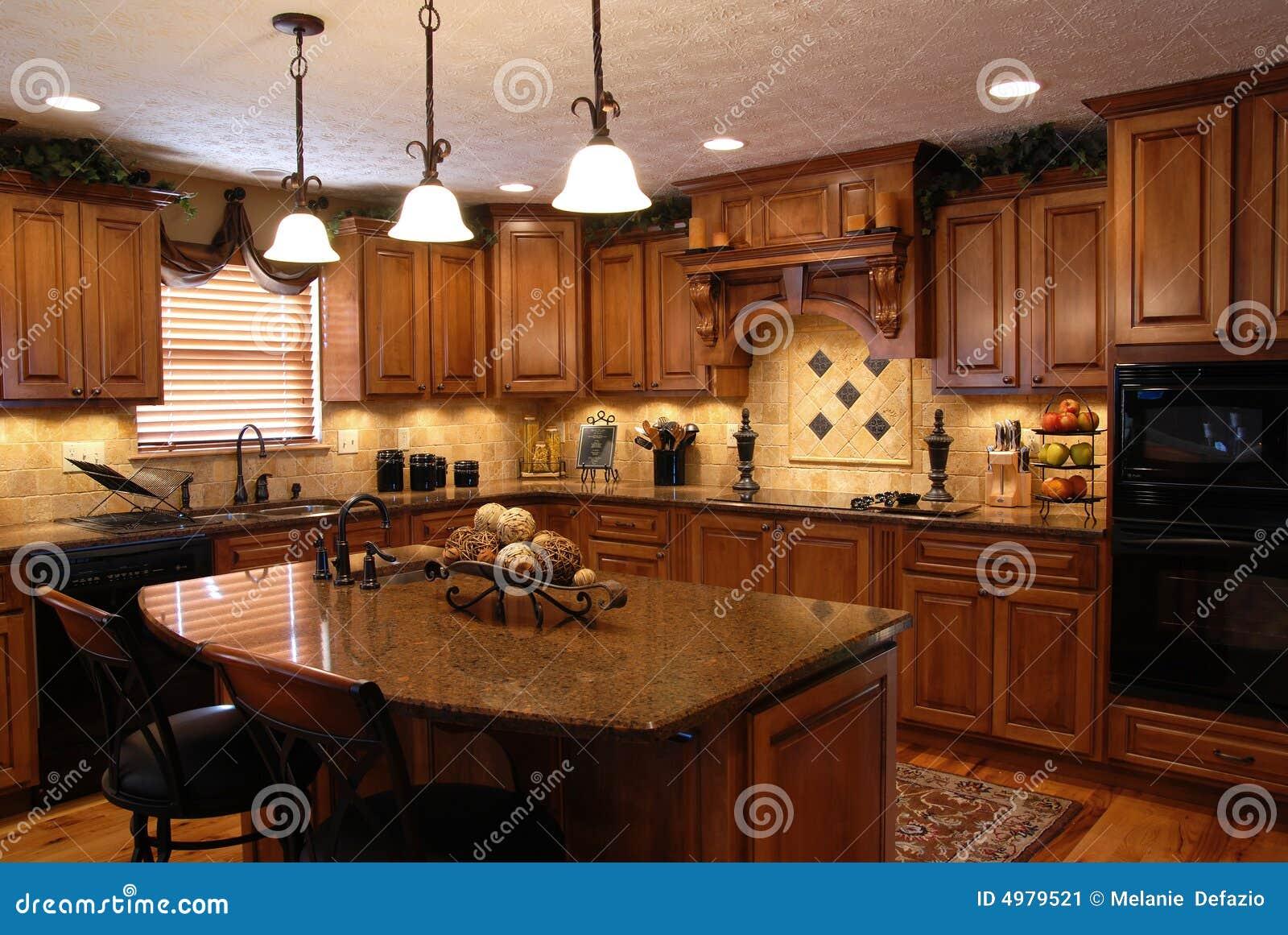 Cozinha Feita Sob Encomenda Imagem de Stock Imagem: 4979521 #743C1C 1300 960