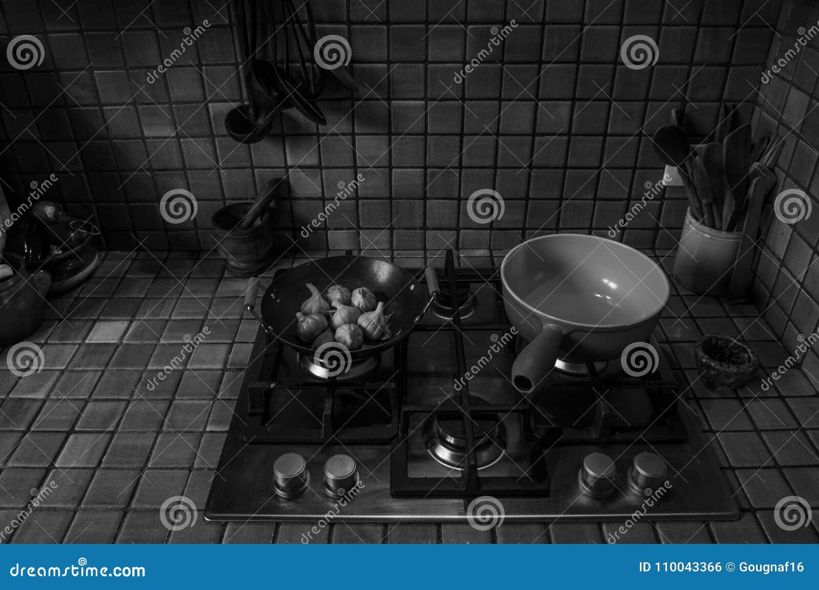 Cozinha francesa preto e branco