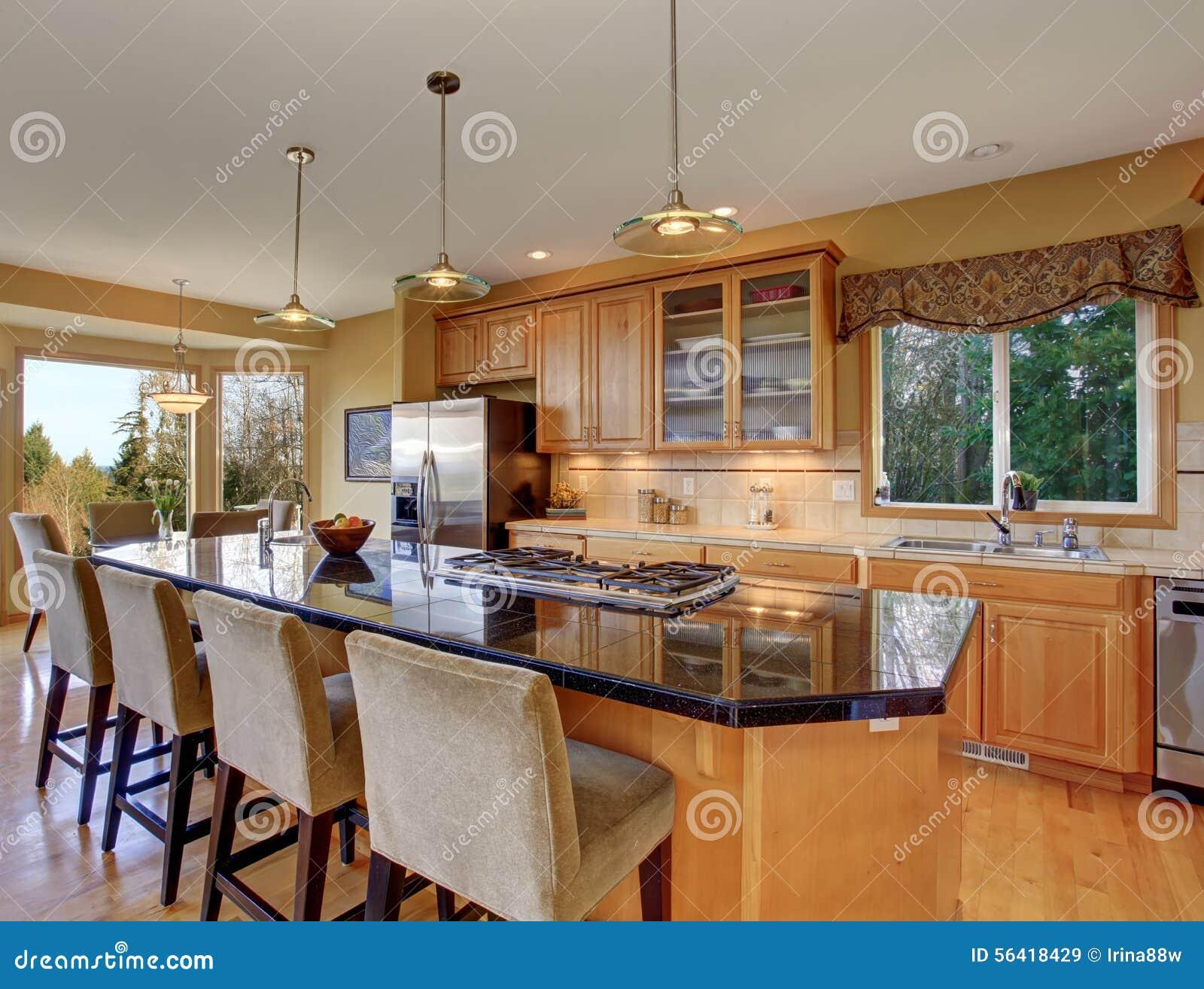 Cozinha Lindo Na Casa Tradicional Perfeita Imagem De Stock Imagem