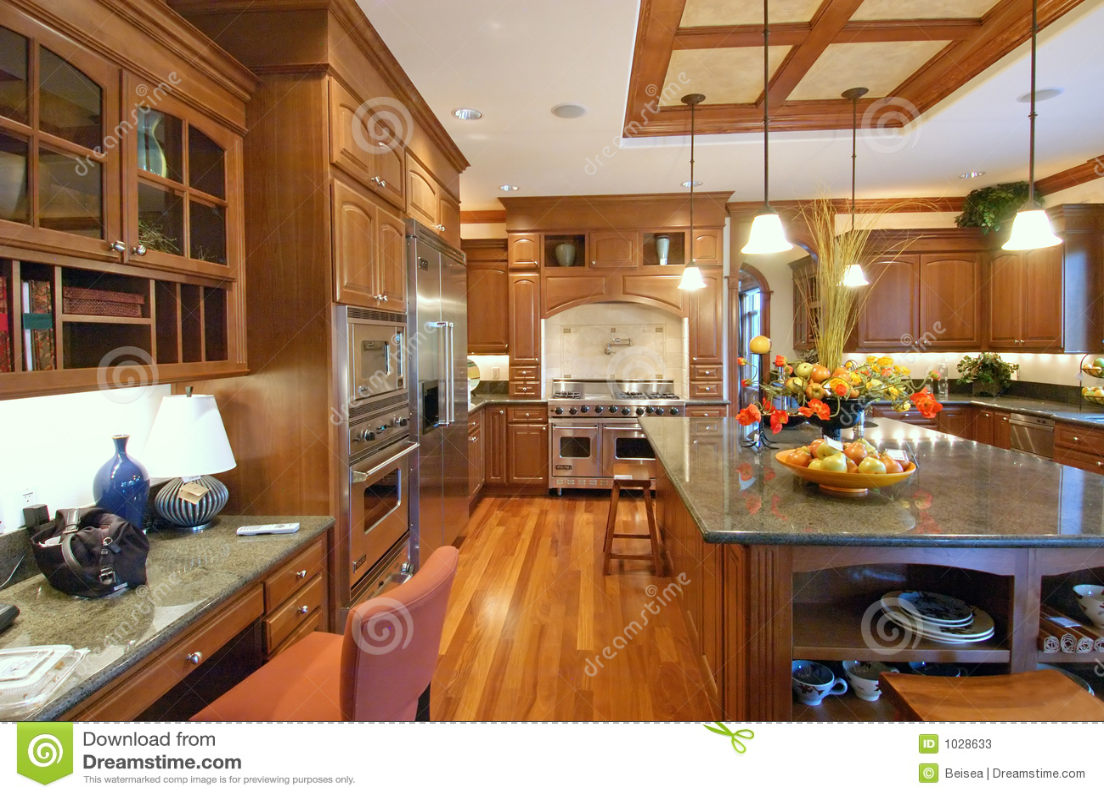 Cozinha Luxuosa Fotos de Stock Imagem: 1028633 #78421D 1300 954