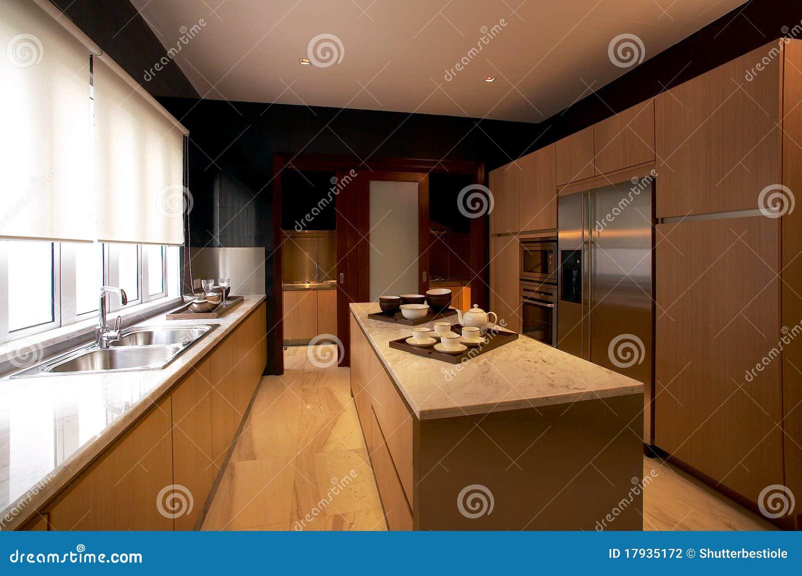 Cozinha Moderna Fotografia de Stock Imagem: 17935172 #2C1609 1300 952