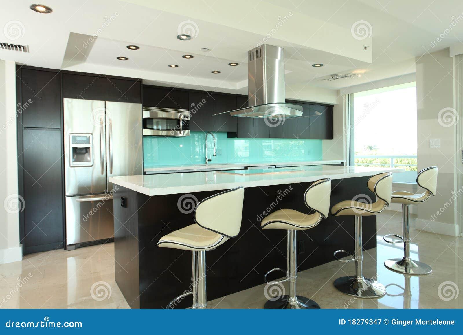 Cozinha Moderna Imagem De Stock Imagem De Espresso Branco 18279347