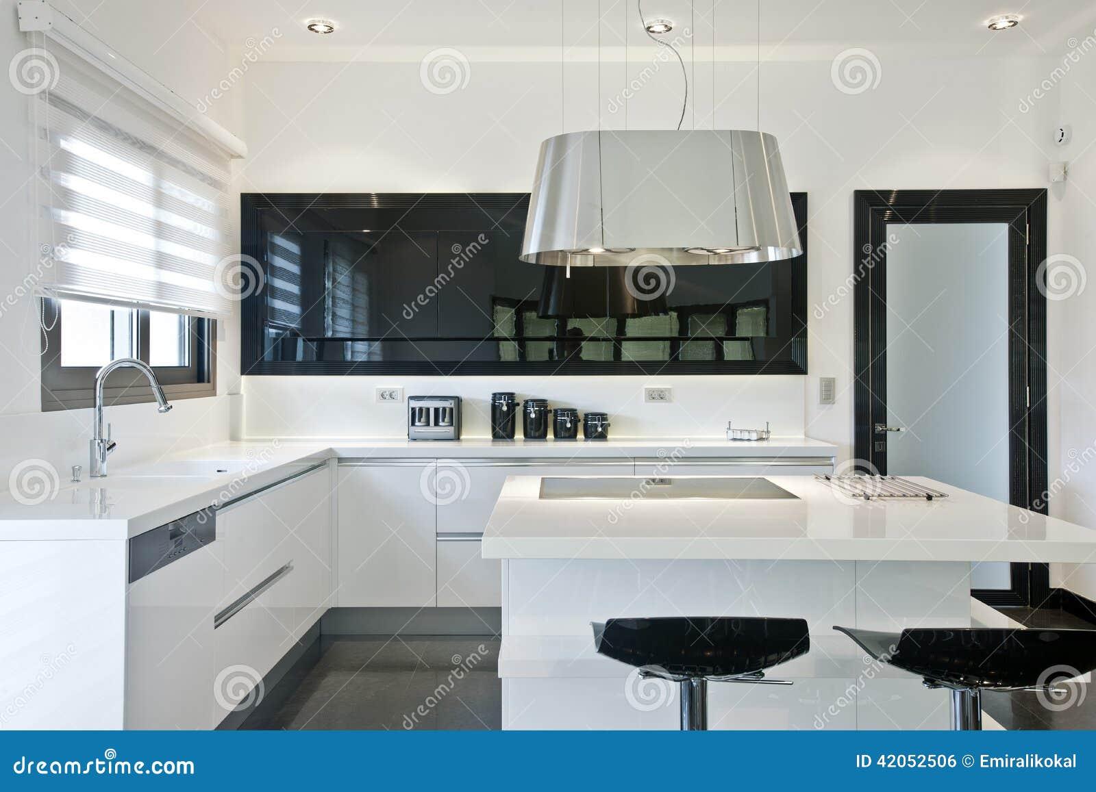 Cozinha Moderna Brilhante Foto De Stock Imagem De Architectural