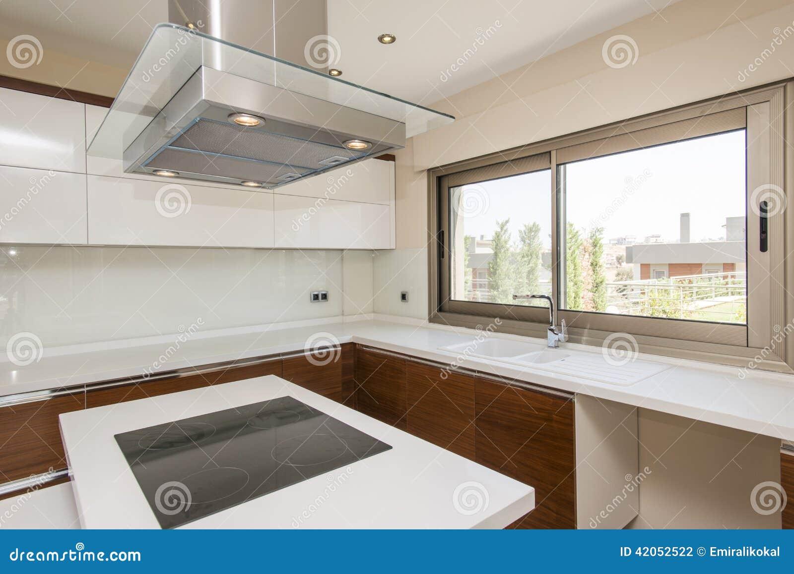 Cozinha Moderna Brilhante Foto de Stock Imagem: 42052522 #85A823 1300 958
