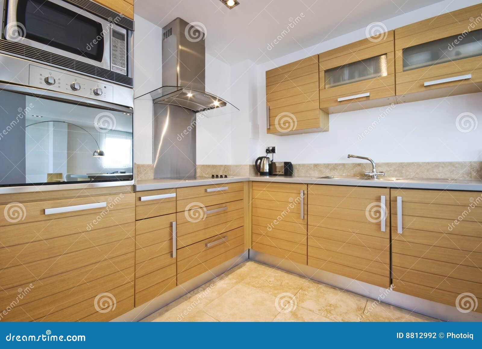 Cozinha Moderna Inteiramente Cabida Foto De Stock Imagem De