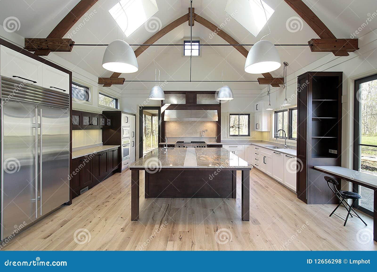 Cozinha Moderna Lustrosa Fotos de Stock Royalty Free Imagem  #82A328 1300 957