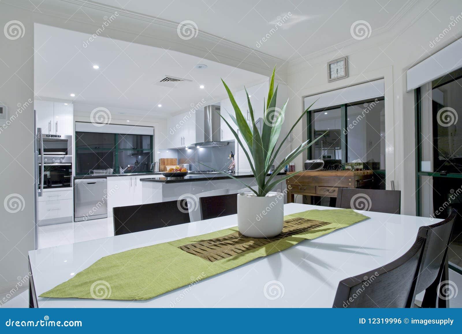 Cozinha Moderna Na Mans O Luxuosa Foto De Stock Imagem De Ouro  ~ Mansões Por Dentro Cozinha