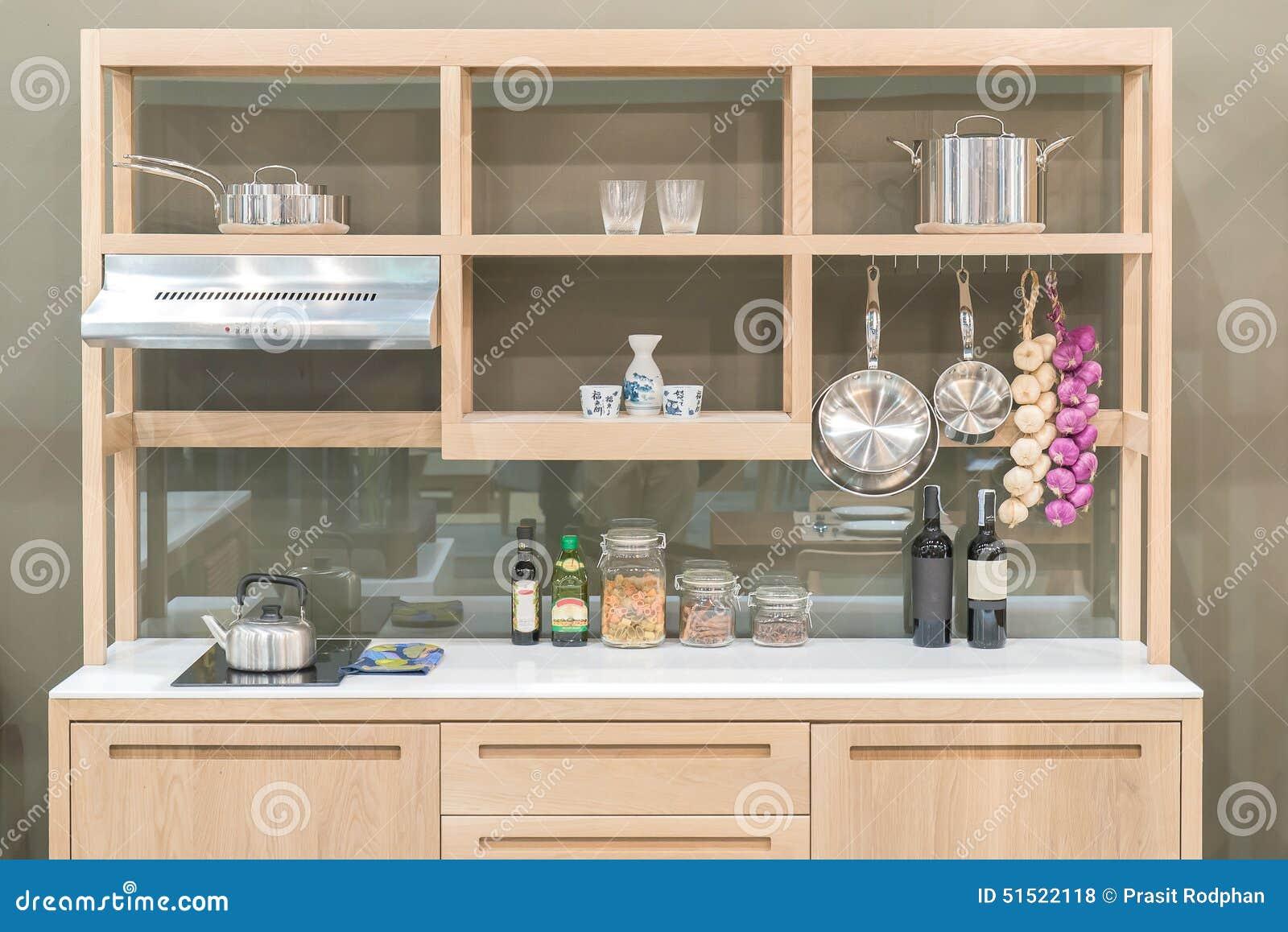 Cozinha Moderna Nova Com Estilo De Madeira Da Prateleira Foto De