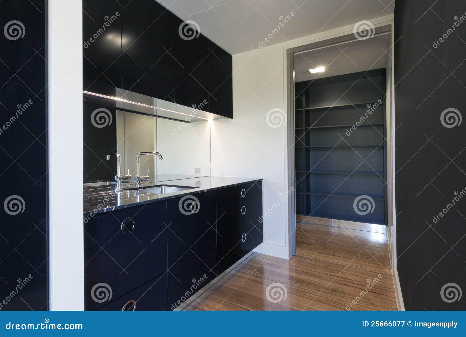 Cozinha Moderna Pequena Imagem De Stock Imagem De Preto 25666077