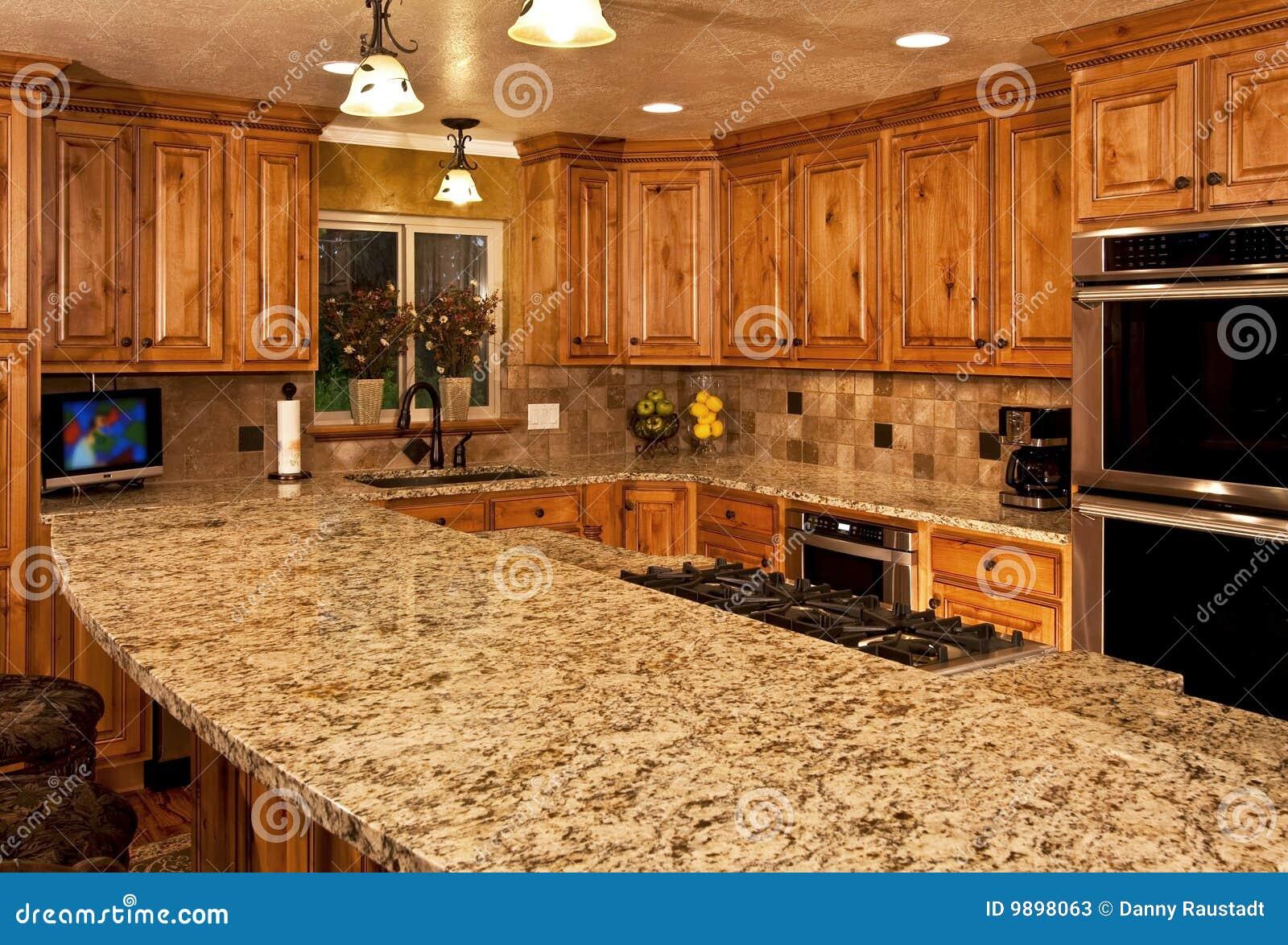 Cozinha Nova Com Console Center Fotos de Stock Imagem: 9898063 #B15110 1300 971