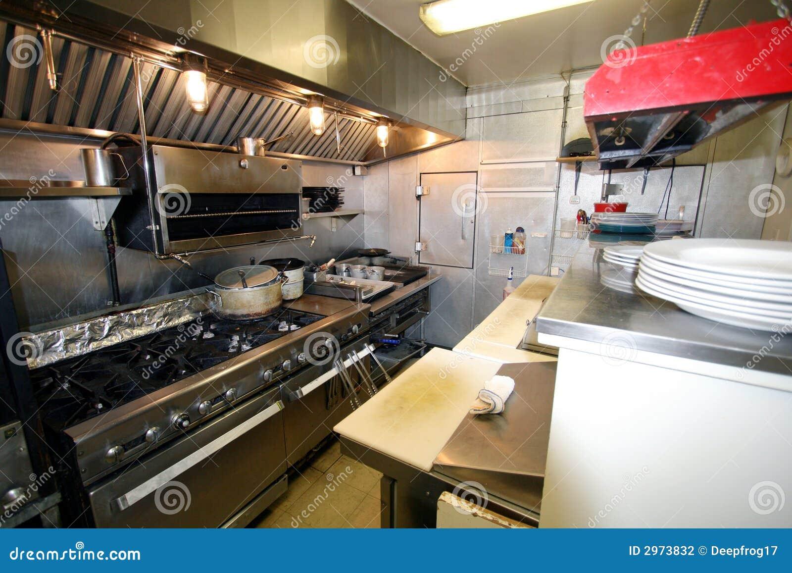 Cozinha pequena em um restaurante foto de stock imagem