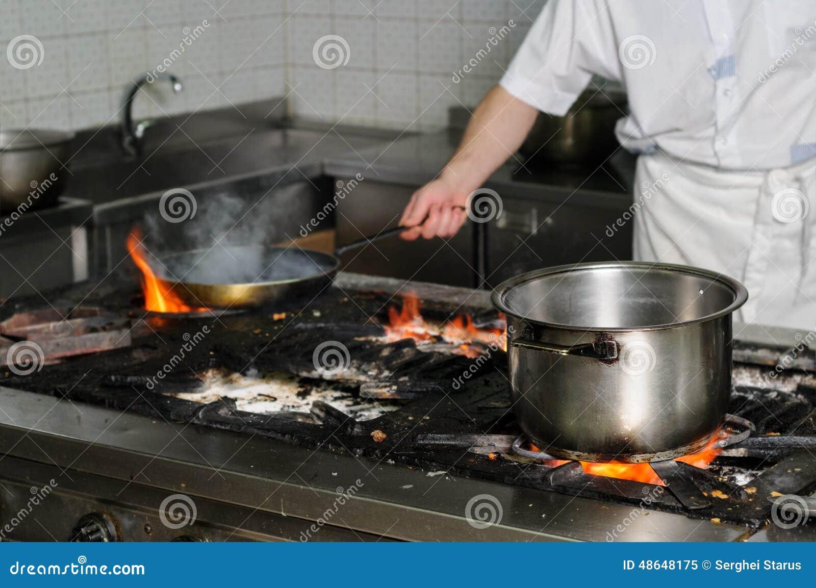 Cozinha Suja Real Do Restaurante Imagem De Stock Imagem De