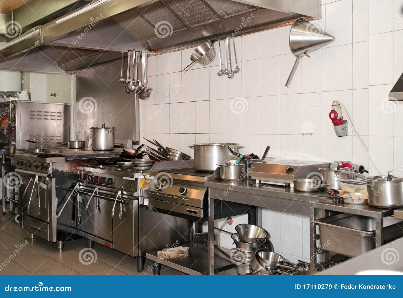 Cozinha Típica De Um Restaurante Imagens de Stock Royalty Free  #88A724 1300 979