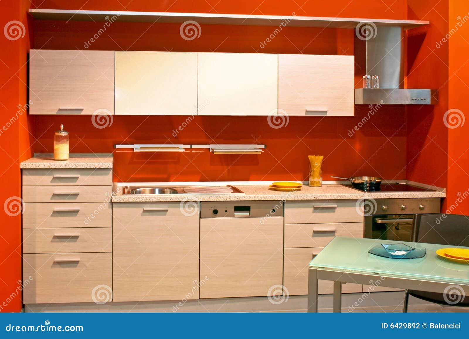 #C93502 Cozinha moderna pequena no apartamento vermelho da parede. 1300x957 px Planos De Cozinha_160 Imagens