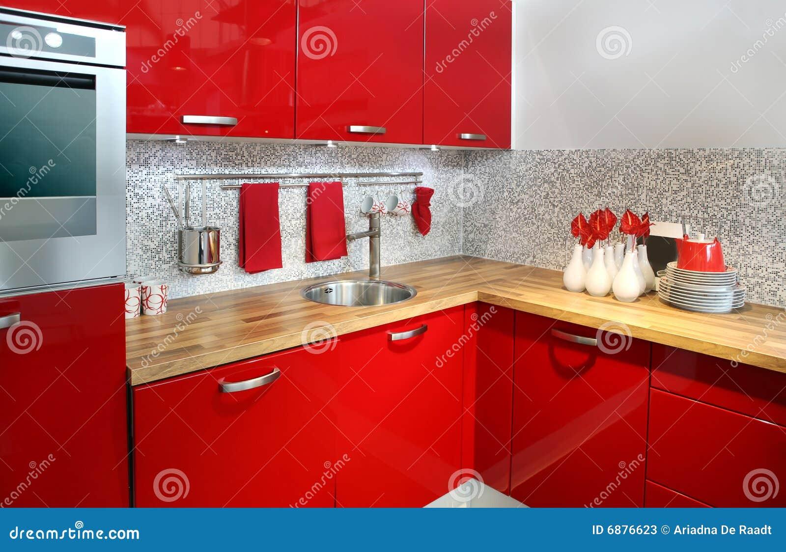 Cozinha vermelha moderna com decoração das flores. #8D0807 1300 930